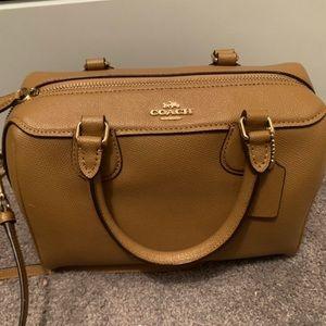 Authentic coach bag ✨